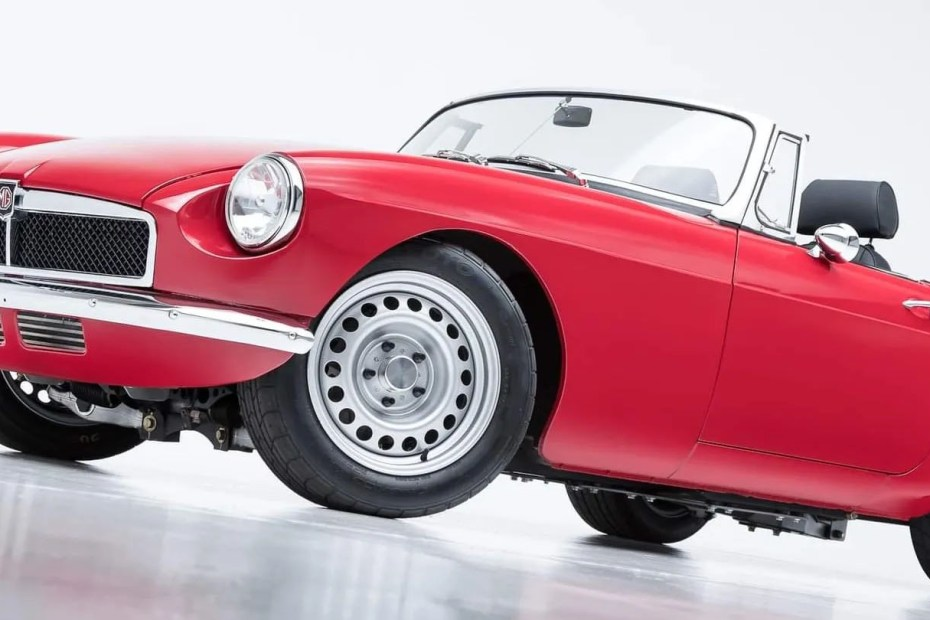 MGB built by Snake River Classics with a turbo Ecotec inline-four