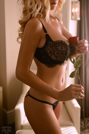 Paloma Escort in London
