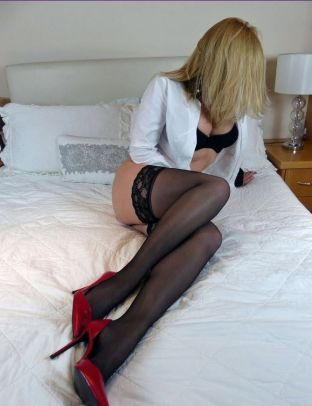 Lara Escort Girl In Coventry
