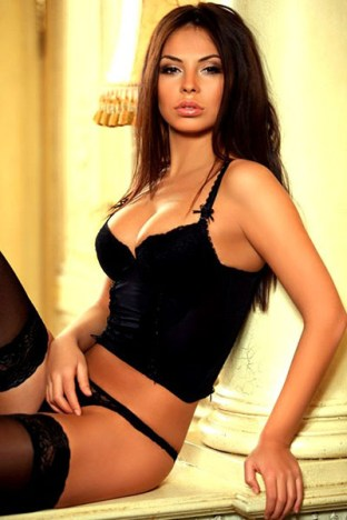 Milla – Brunette London Escort