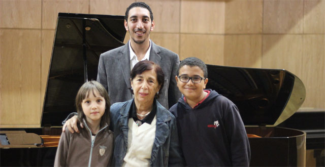 Elena Dzamashvili with her students