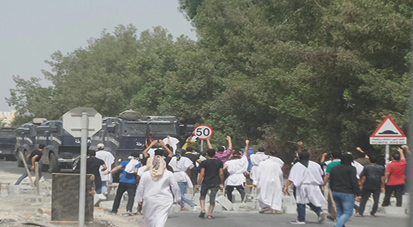 Bahraini Forces Storm Diraz, First Martyr Falls