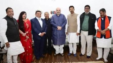 Big blow to Mamata Banerjee, former minister Rajib Banerjee 4 others quit TMC, join BJP
