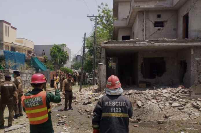 Blast near Hafiz Saaed house