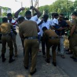 Sri Lanka troops join hunt for bomb attack suspects