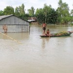 Fear of fresh flood grips people in Bogura despite slight improvement