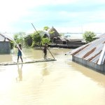 Flood-hit char people starving in Kurigarm, NGO activities not visible yet