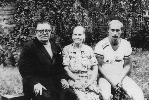 vladimir putin's parents