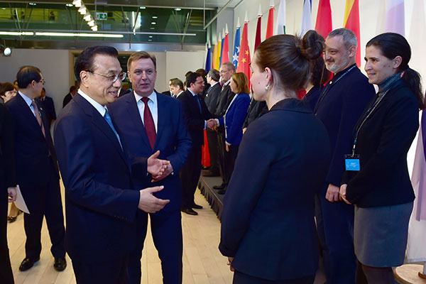 Premier Meets Eurasian Sinologists; Calls For More