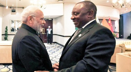 Modi begins bilateral interactions, meets South African Prez