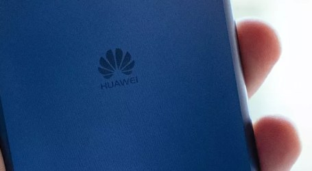Huawei provides free service to damaged smartphones of Kerala flood victims