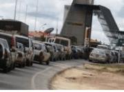 Venezuela crisis: Maduro to close border with Brazil