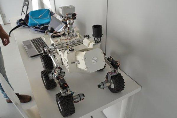 OpenCuriosity is an open source Mars rover