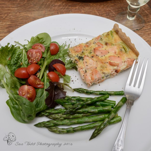 Salmon and watercress tart with salad and asparagus © Sue Todd Photography 2016