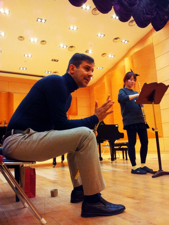 Davide Formisano advises the other masterclass students during his lesson with sophomore Song Hyeri. (PHOTO: Charles Ian Chun)