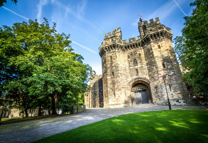 Lancaster Castle is a medieval castle in Lancaster in the English county of Lancashire. Its early history is unclear, but may have been founded in the 11th century on the site of a Roman fort overlooking a crossing of the River Lune. Credit: Dan Tierney / CC 2.0
