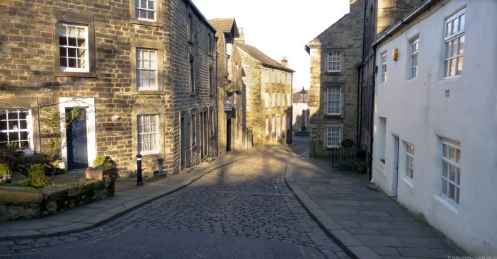 Historic Cobbled Street on Castle Hill in Lancaster. Credit: Terran Brown / CC 2.0