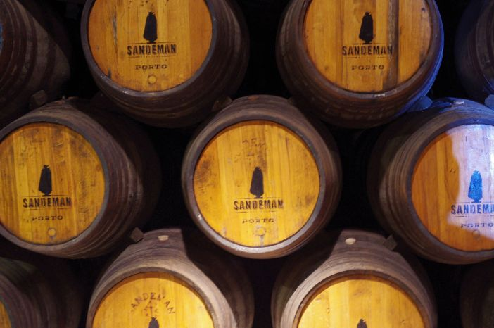 Everything at the Sandeman Port Winery reflects the Sandeman Don logo (CC 2.0 / Kenneth Fairfax)