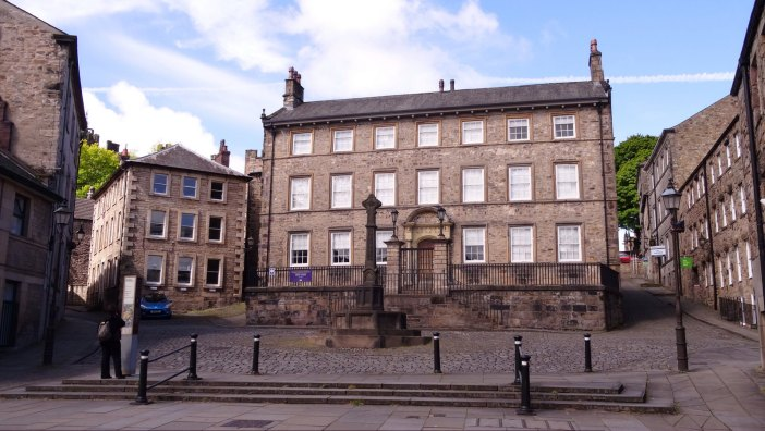 Judges' Lodgings where the witch hunter, Thomas Covell used to live. Lancaster. / CC2.0 Gidzy