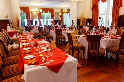 The Windermere Restaurant set-up with our colour theme