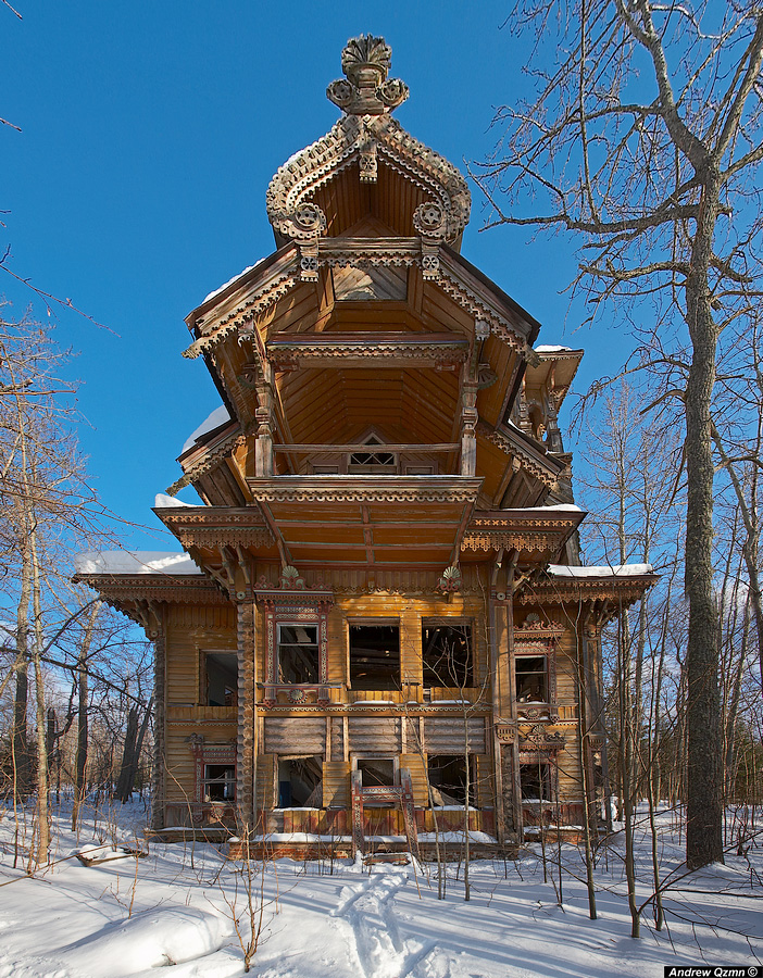 Russian wooden architecture - Copyright Andrew Qzmn