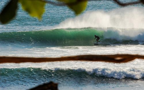 gallery-northern-nicaragua-waves-1