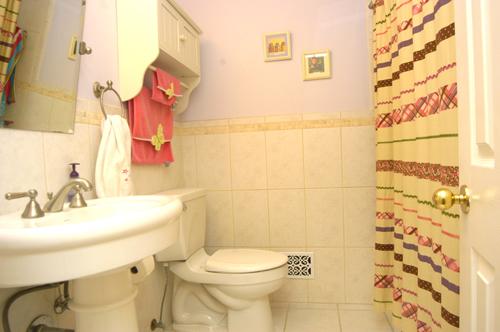 11.Hall Bath.July2013.2393 Henderson Mill Ct