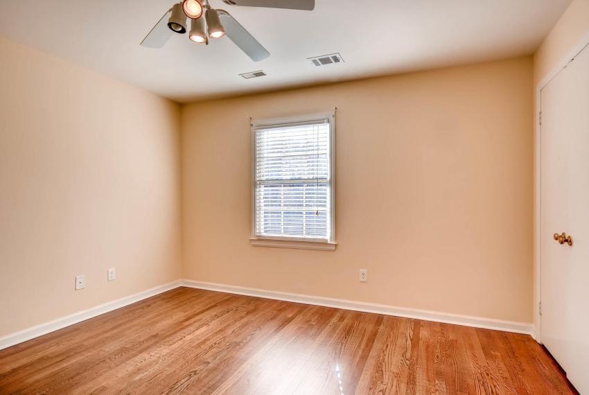 2587-cosmos-court-ne-atlanta-large-031-4-2nd-floor-bedroom-1499x1000-72dpi