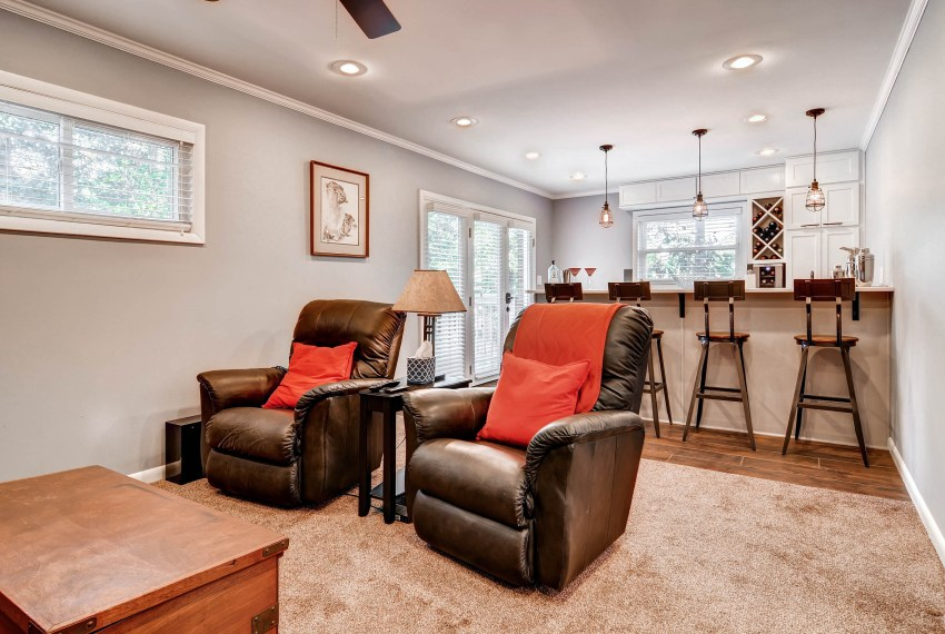 3226-leslie-lane-atlanta-ga-print-023-11-lower-level-living-room-2700x1800-300dpi