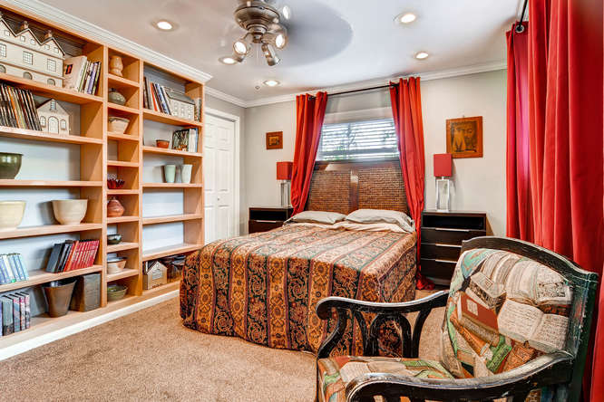 3226-leslie-lane-atlanta-ga-small-028-27-lower-level-bedroom-666x445-72dpi