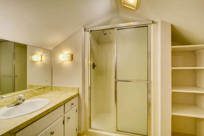 2928 Randolph Rd Atlanta GA-small-029-21-2nd Floor Bathroom-666x445-72dpi