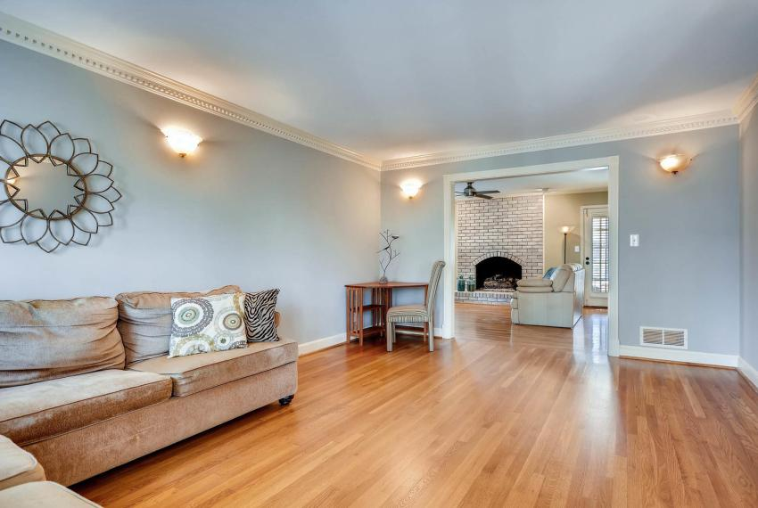 2828 Cravey Dr NE Atlanta GA-large-005-20-Living Room-1499x1000-72dpi