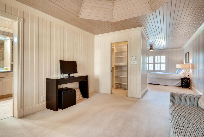 2828 Cravey Dr NE Atlanta GA-large-017-12-2nd Floor Master Bedroom-1500x1000-72dpi
