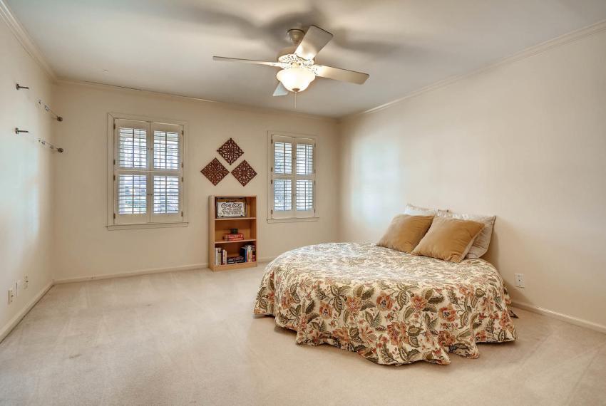 2828 Cravey Dr NE Atlanta GA-large-022-33-2nd Floor Bedroom-1499x1000-72dpi