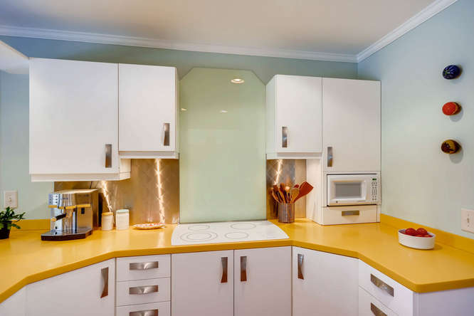 2646 Hawthorne Place NE-small-014-23-Kitchen-666x445-72dpi