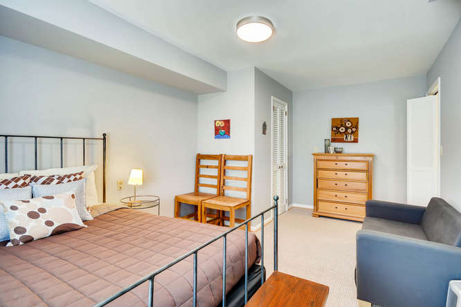 2646 Hawthorne Place NE-small-035-35-Lower Level Bedroom-666x445-72dpi