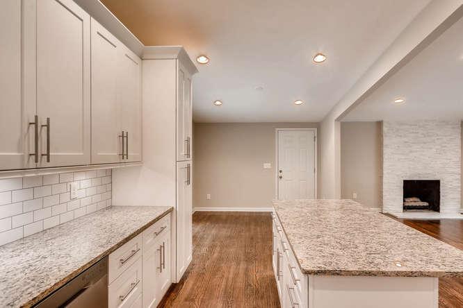 2045 Luxuria Court Tucker GA-small-017-12-Kitchen-666x445-72dpi