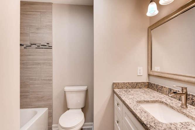 2045 Luxuria Court Tucker GA-small-027-19-2nd Floor Bathroom-666x445-72dpi