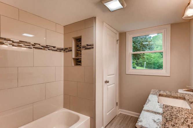 2045 Luxuria Court Tucker GA-small-032-30-Lower Level Bathroom-666x445-72dpi