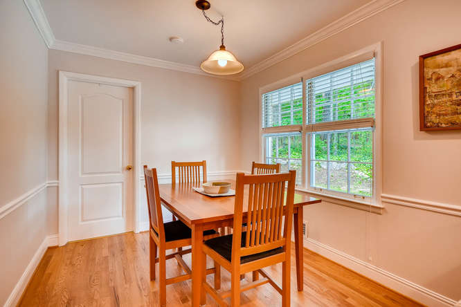 2638 Hawthorne Place NE-small-017-5-Breakfast Room-666x445-72dpi