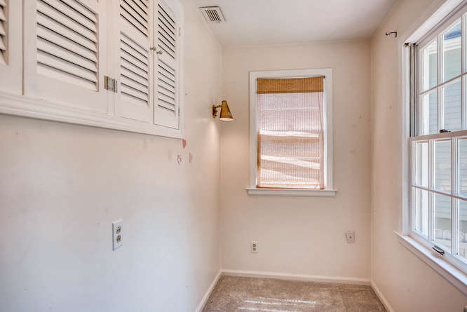 3154 Briarcliff Way NE Atlanta-small-019-15-Master Bedroom Closet-666x445-72dpi