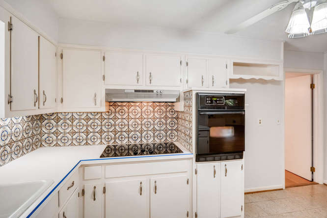 2528 Varner Drive NE Atlanta-small-014-23-Kitchen-666x445-72dpi