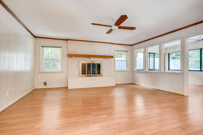 2528 Varner Drive NE Atlanta-small-015-13-Family Room-666x444-72dpi