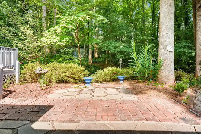2528 Varner Drive NE Atlanta-small-036-40-Patio-666x445-72dpi