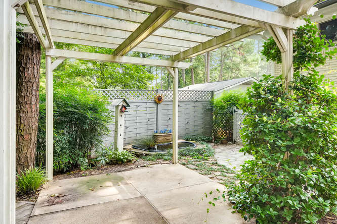 2528 Varner Drive NE Atlanta-small-037-39-Patio-666x445-72dpi