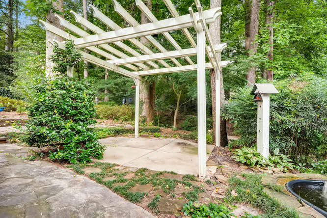 2528 Varner Drive NE Atlanta-small-038-31-Patio-666x445-72dpi