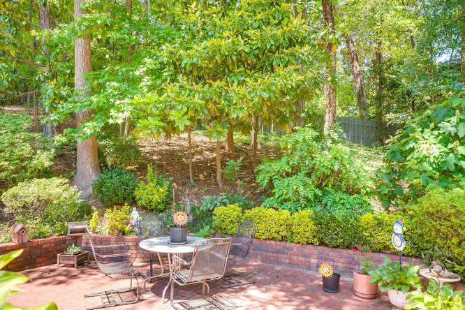 3186 Surgarplum rd Atlanta GA-small-040-37-Back Yard-666x445-72dpi