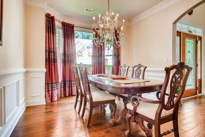 1590 Reserve Circle Decatur GA-small-006-5-Dining Room-666x445-72dpi