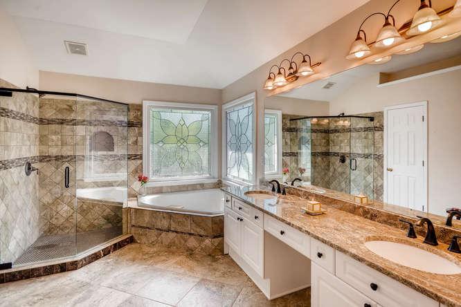 1590 Reserve Circle Decatur GA-small-019-27-2nd Floor Master Bathroom-666x445-72dpi