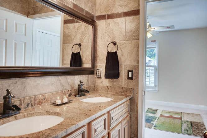 1590 Reserve Circle Decatur GA-small-027-33-2nd Floor Bathroom-666x445-72dpi